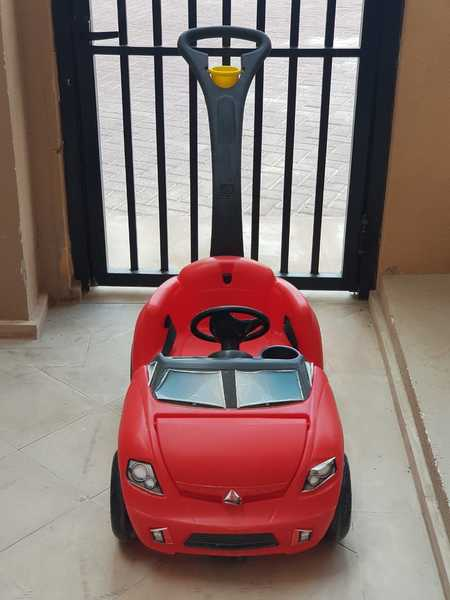 Used Ride on and push car for Kids in Dubai, UAE