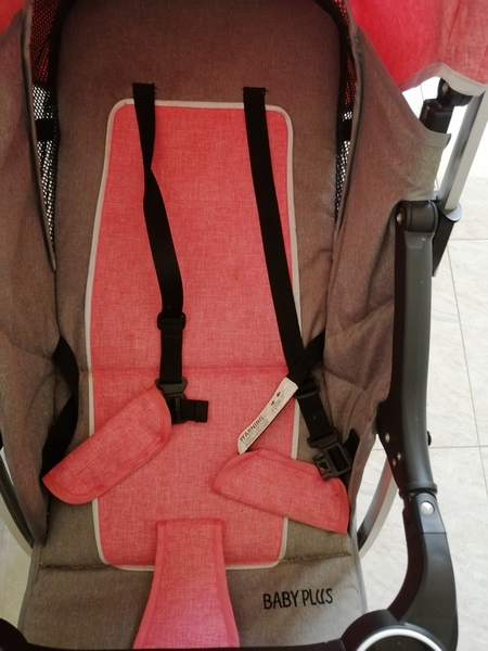 Used Baby plus stroller in Dubai, UAE