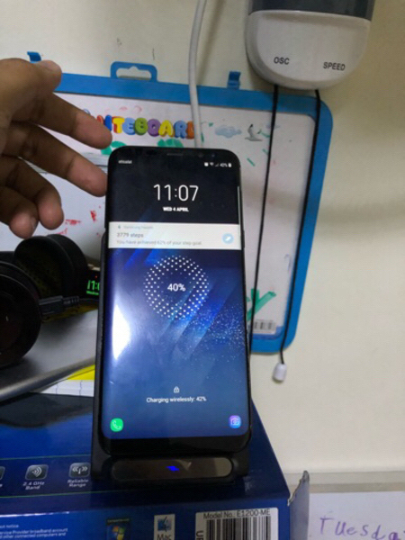 Used Qi wireless charger with 2 coils! in Dubai, UAE