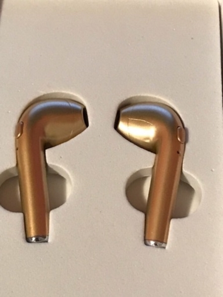 Used ELECTROPLATED HEADPHONES/ GOLD in Dubai, UAE