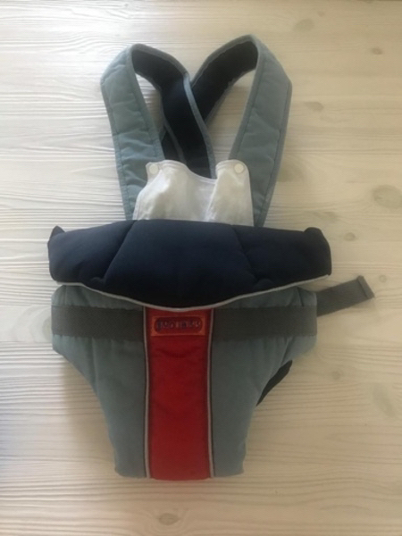 Used Baby Items (baby carrier & changing mat) in Dubai, UAE