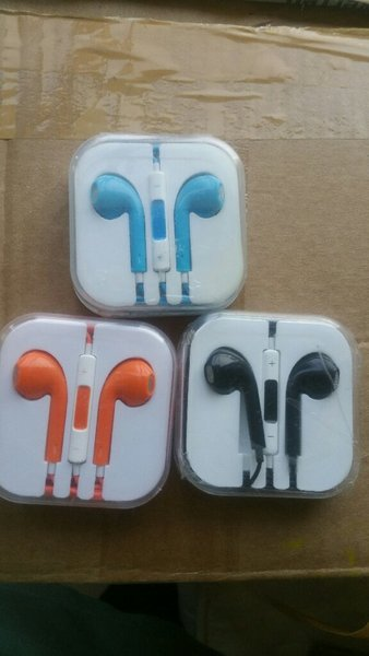 Used 3 sets of hands free in Dubai, UAE