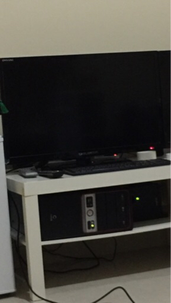 Used Tv elekta 32 and pc cori3  in Dubai, UAE