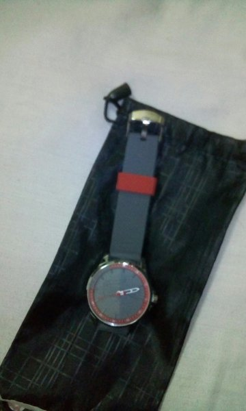 Used 2pcs Rubberized Watch Battery Operated in Dubai, UAE
