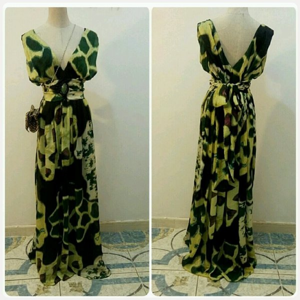 Used Long dress green/yellow v-neck in Dubai, UAE