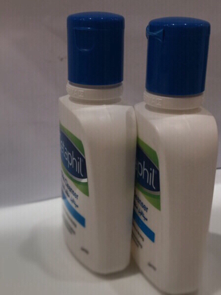 Used ◾️Cetaphil Oily Skin Cleanser(2Packs) in Dubai, UAE