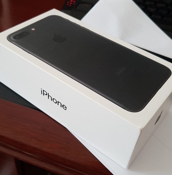 Used IPhone 7s Plus Used 1 Month in Dubai, UAE