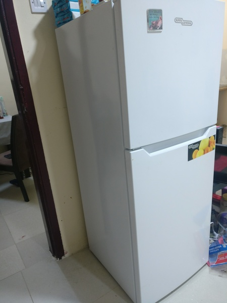 Used fridge/Oven/table/Cupboard in Dubai, UAE