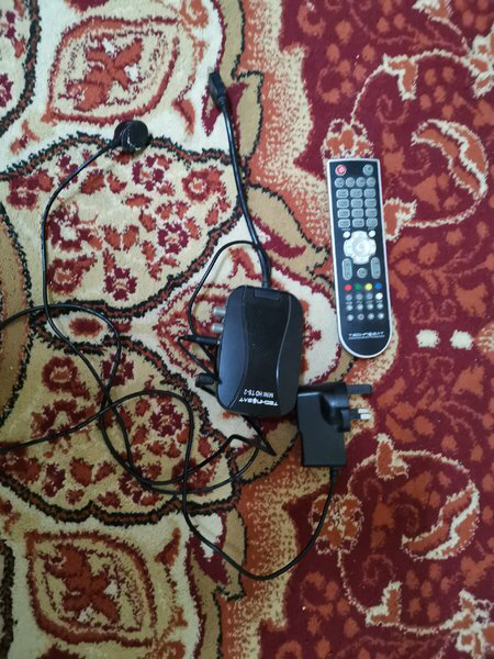 Used TV receiver with remote hdmi adapter in Dubai, UAE