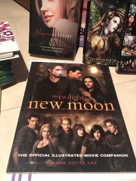 Used Bundle of 6 books twilight.... in Dubai, UAE