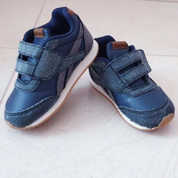 Used Reebok shoes size 22.5 eu in Dubai, UAE