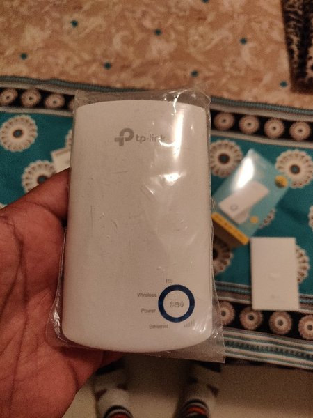 Used Wifi extender orignal NEW in Dubai, UAE