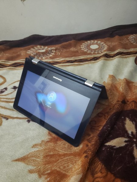 Used Lenovo youga touch screen 6th generation in Dubai, UAE