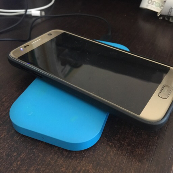 Used Nokia DC-50 wireless charger iPhone/Sam in Dubai, UAE