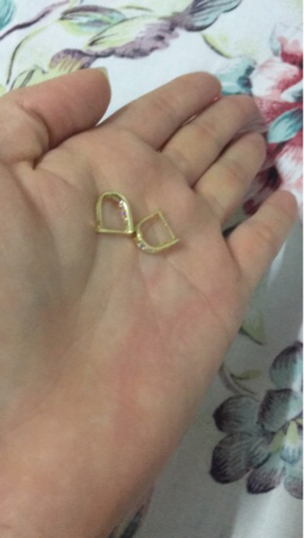 Used 18k real gold earrings  in Dubai, UAE