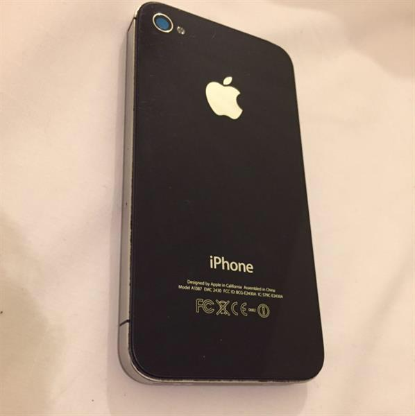 Used Original iPhone 4s Never Damaged, No Problems, Never Open, Good Price Discounted in Dubai, UAE