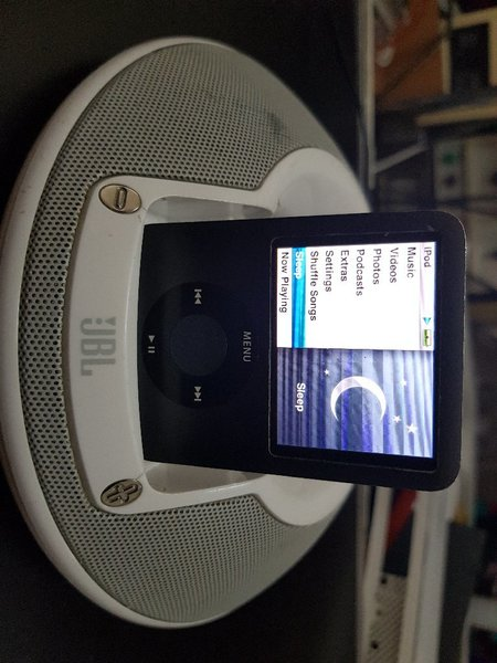 Used JBL onstge iPod dock speaker in Dubai, UAE