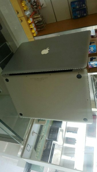 Used MAC BOOK PRO i7 in Dubai, UAE