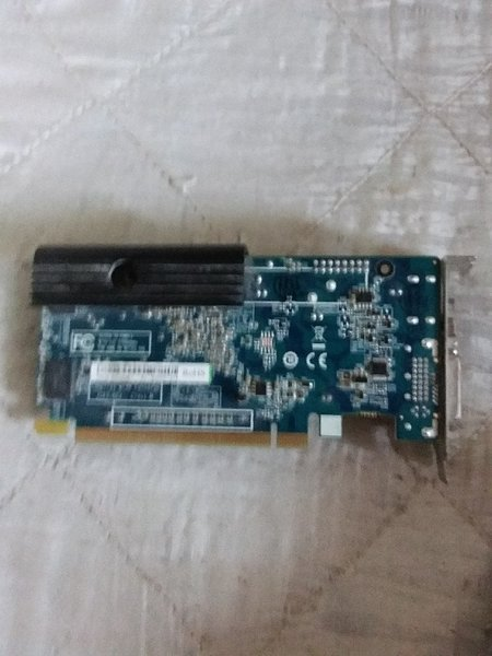 Used Hd5450 Graphics card 1 gb gddr5 vram in Dubai, UAE