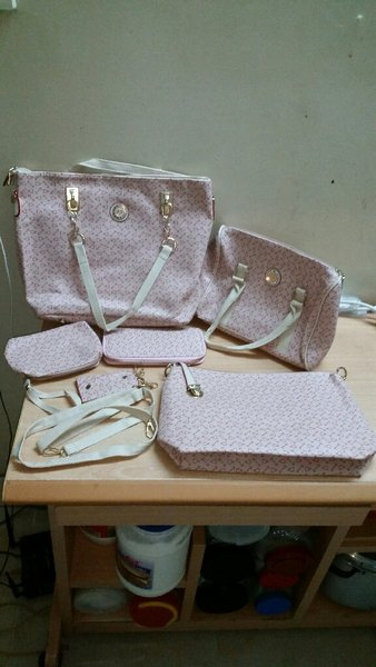 Used Women's Bag Sets (6pcs) in Dubai, UAE