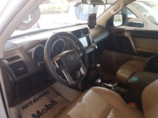 Used Land Cruiser 2013 Done Only 67000 Kms And Maintained From Al Futtaim Since Purchased. in Dubai, UAE