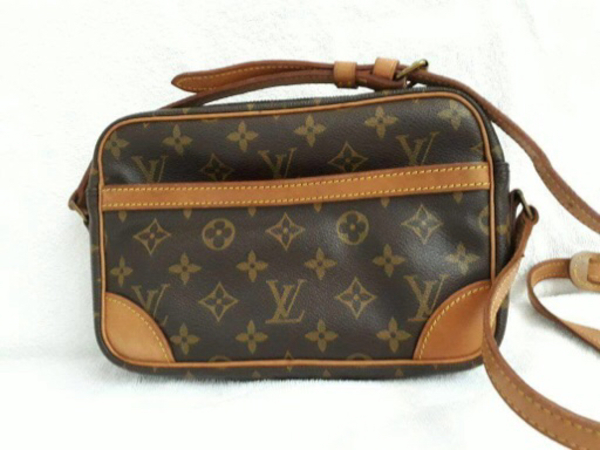 Used Lv bag authentic  in Dubai, UAE