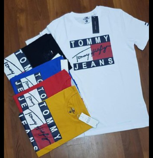 Used Tommy Hilfiger tshirt 5pcs in Dubai, UAE