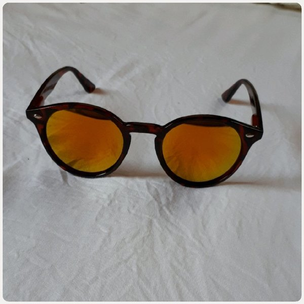 Used Sunglass fashion small size brown in Dubai, UAE