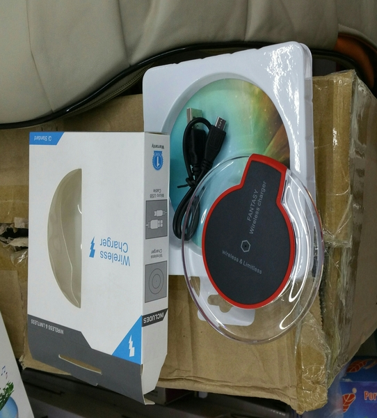 Used wireless charger for samsung phones in Dubai, UAE