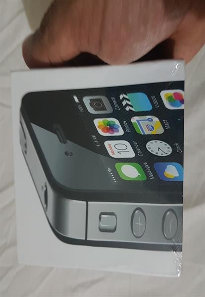 Used Box Pack IPhone 4s  in Dubai, UAE