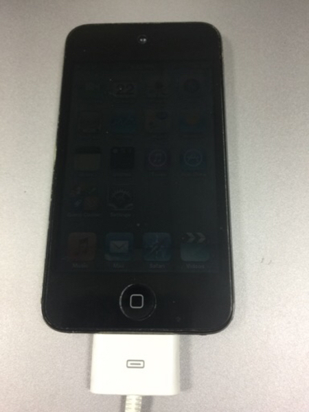 Used iPod Touch 32gb with face time  in Dubai, UAE