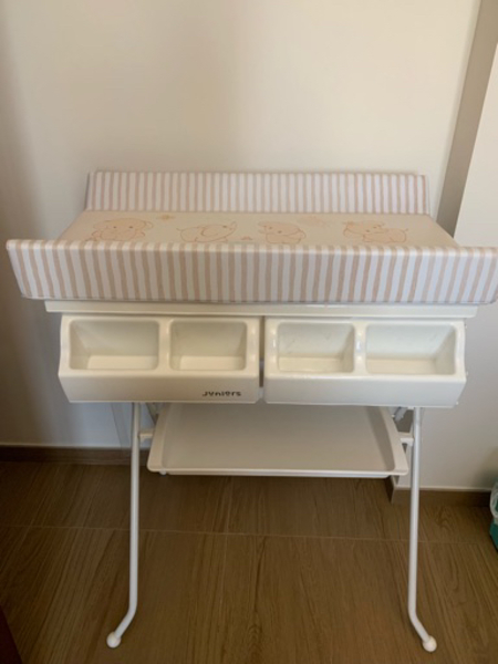Used Changing table with bath tube in Dubai, UAE