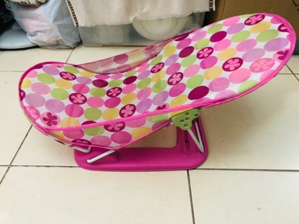 Used SUMMER INFANT DELUXE BABY BATH CHAIR in Dubai, UAE