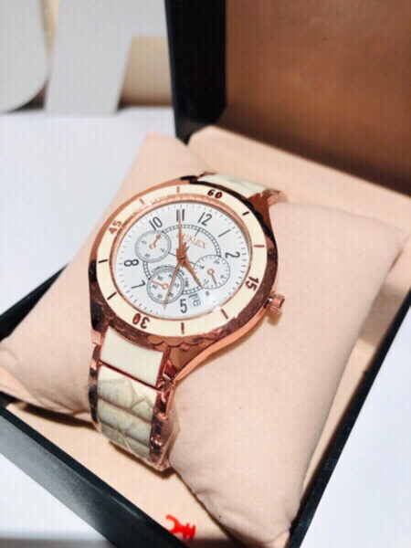 Used Watch Roségold+Nail shaped bangle in Dubai, UAE