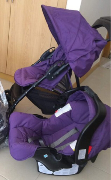 Used Graco baby stroller with car seat in Dubai, UAE
