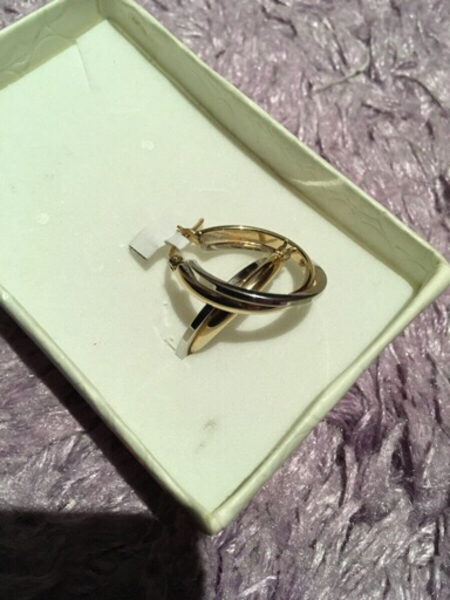 Used 18K hoops earring yellow/white gold new  in Dubai, UAE