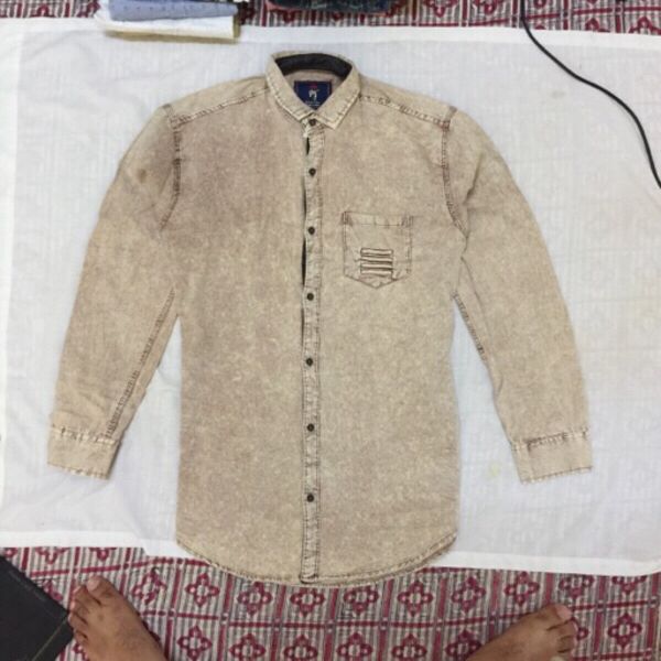 Used Denim creamy shirt - Size XL slim fit in Dubai, UAE