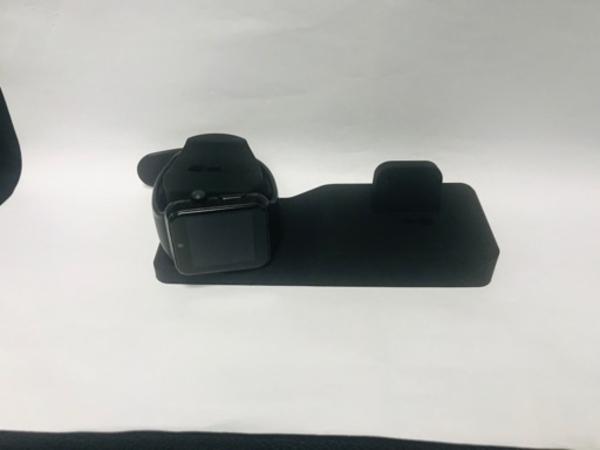 Used Charging stand brand new in Dubai, UAE