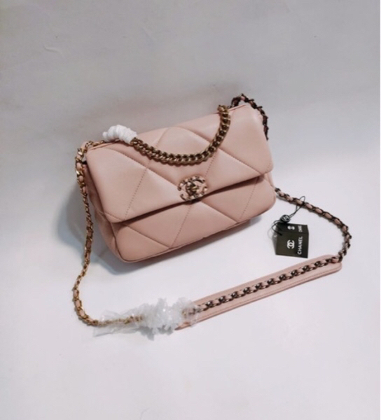 Used Chanel bag very good quality in Dubai, UAE