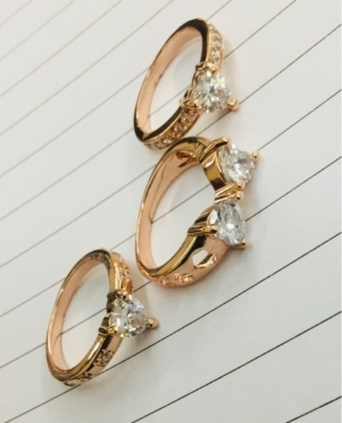 Used 3New pieces heart rose gold rings size 6 in Dubai, UAE