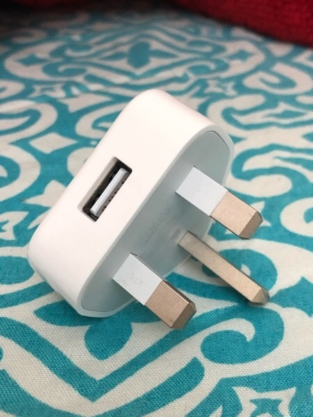 Used I phone charging adapter in Dubai, UAE