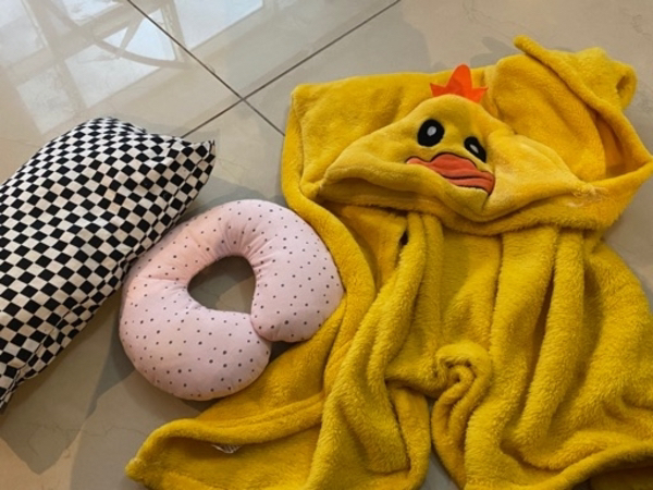 Used Blanket pillows in Dubai, UAE