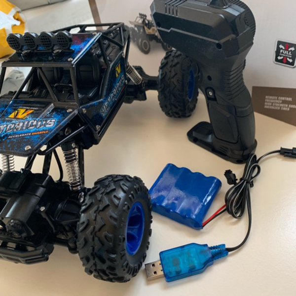 Used RC remote control car Blue (new) in Dubai, UAE