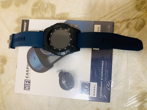 Used Sports watch with sim card +Bose airpods in Dubai, UAE