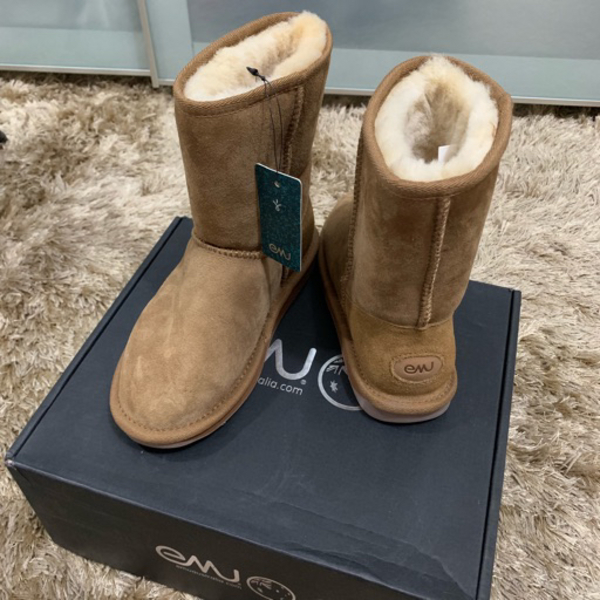 Used Emu snow winter boots ugg shoes in Dubai, UAE