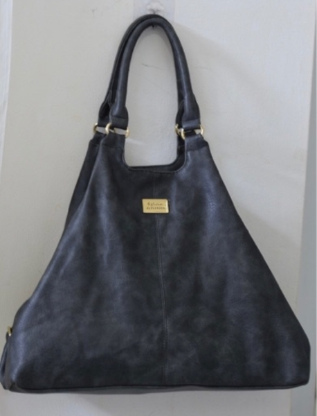 Used BIG 2 WAY LEATHER BAG in Dubai, UAE
