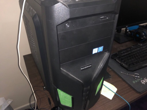Used Gaming pc withe monitor  in Dubai, UAE