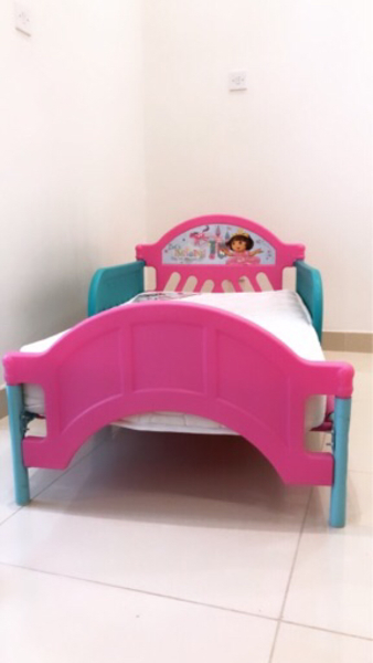 Used Dora kids bed in Dubai, UAE