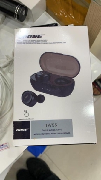Used Bose earbuds brand new pack box in Dubai, UAE