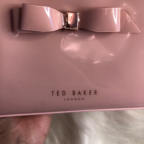 Used TED BAKER MAKE UP POUCH BNEW in Dubai, UAE